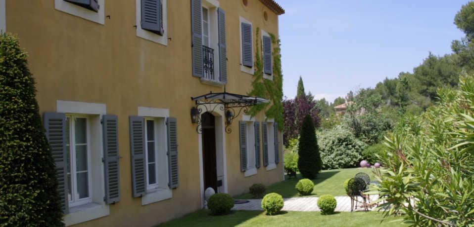 Bastide tara chambres d 39 h tes en provence avec piscine Les plus belles chambres parentales
